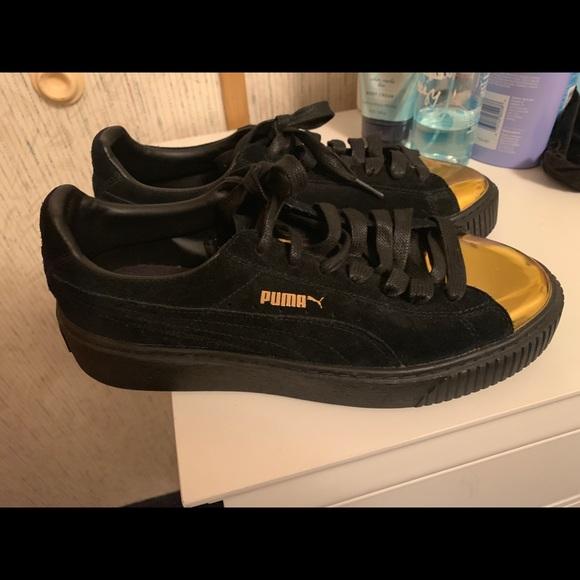 Puma Suede platform gold tip
